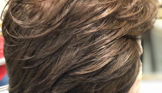 髪で印象が変わります
